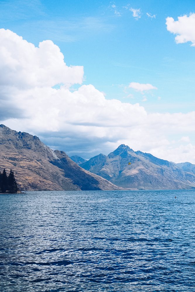 Lake Wakatipu and mountains in Queenstown