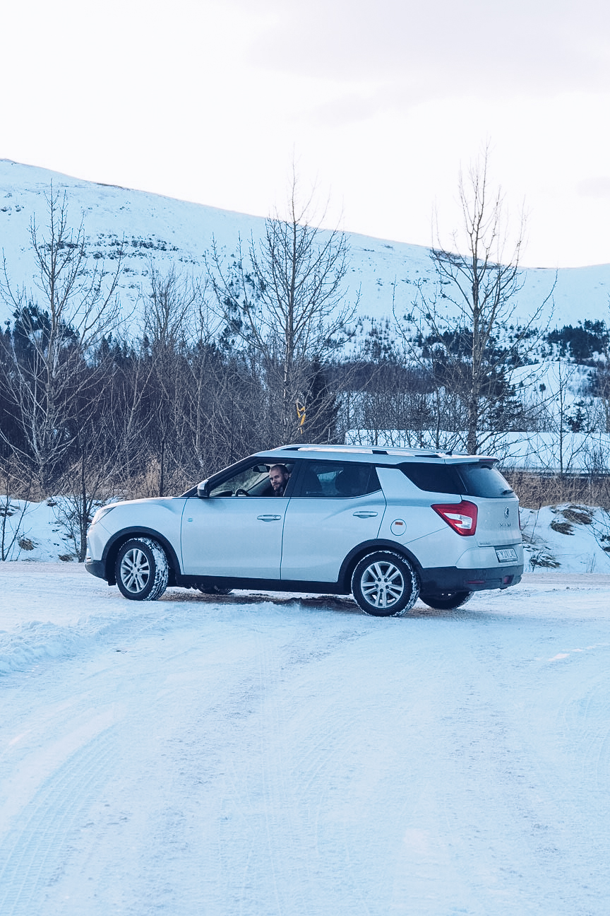 automatic four wheel drive car hire in iceland