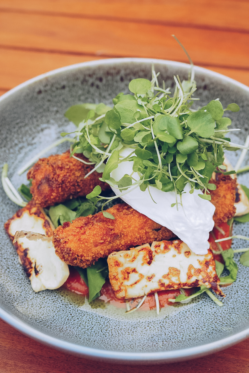 Bacon and spinach croquettes with halloumi