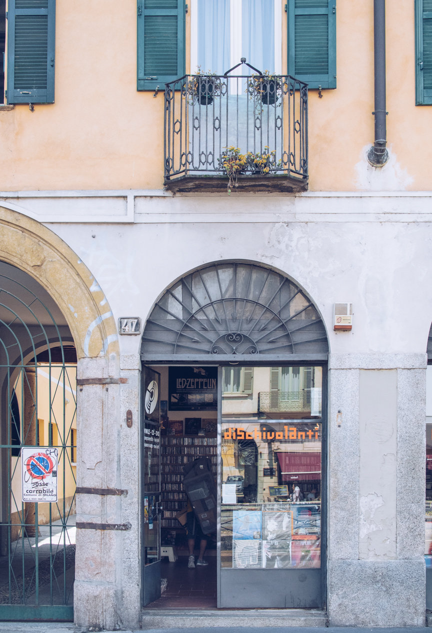 record shops in milan