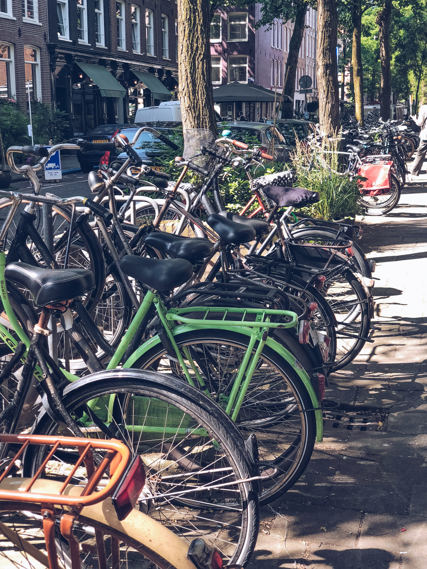 bikes for hire in amsterdam