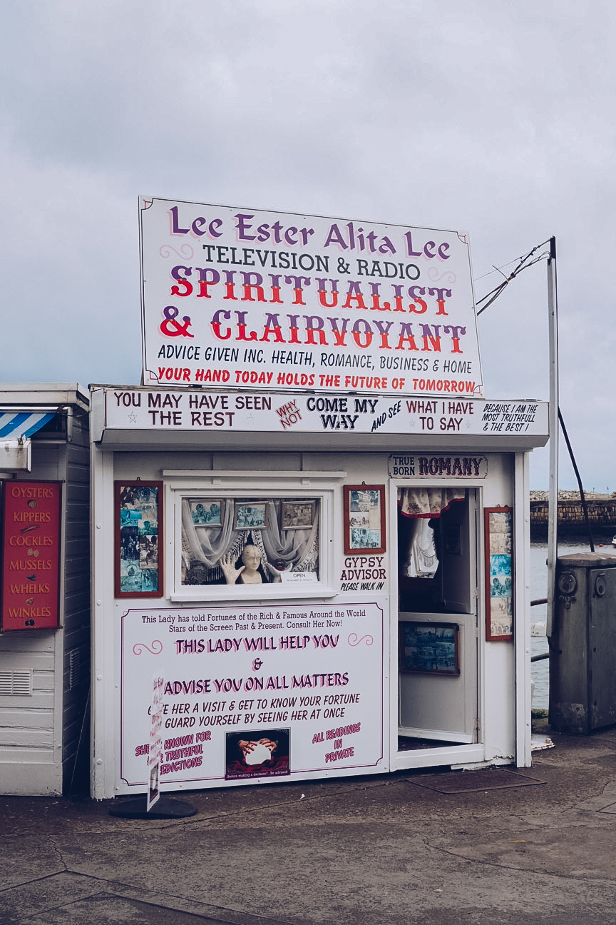 clairvoyant on whitby promenade
