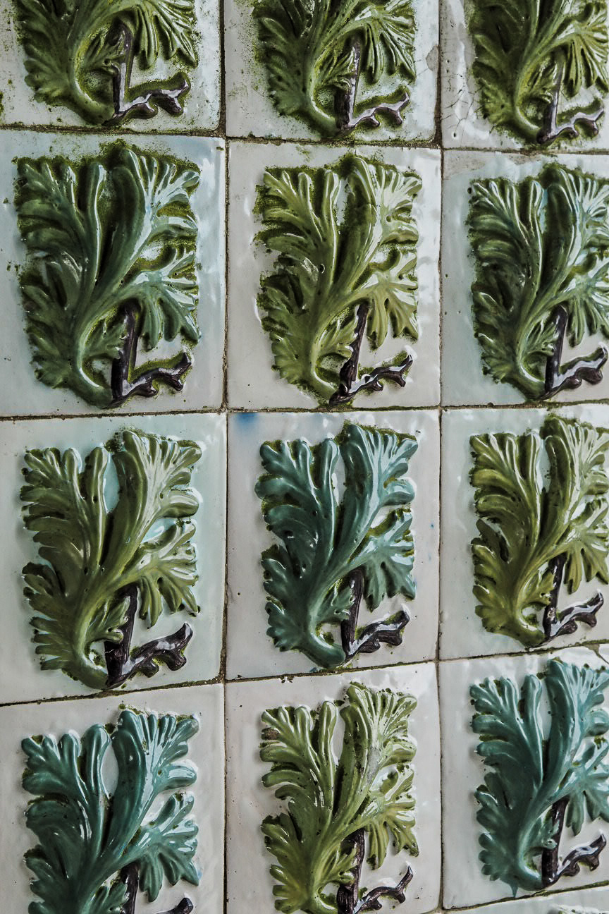 foliage ceramic tiles